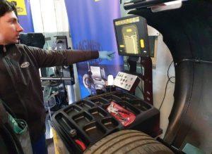 Започваме тест на машината за баланс на гуми и машината за демонтаж/монтаж на гуми на фирма Magneti Marelli