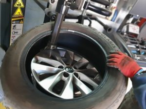 """Тест на машината за баланс на гуми и машината за демонтаж-монтаж на гуми на фирма """"Magneti Marelli"""" – обобщение"""
