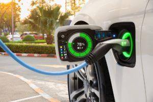 Колко време отнема зарежданато на електрически автомобил?