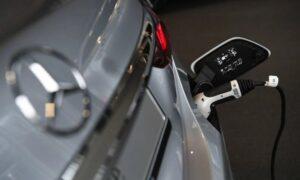 Европа ускорява смяната на електромобилите със субсидии и забрани