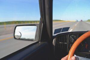 Какво прави предното стъкло за вашата кола?