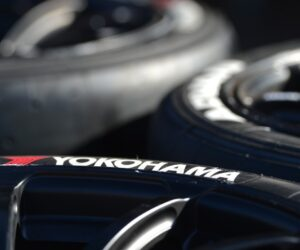 Yokohama разработва технология за интелигентни гуми